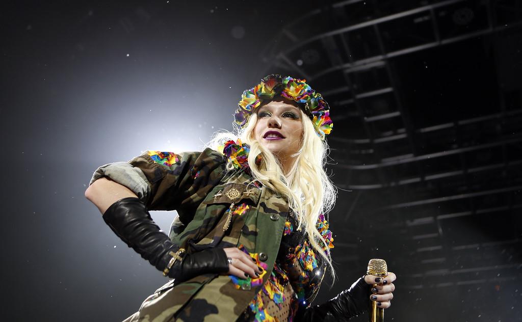 Kesha+iHeartRadio+Celebrates+CES+2013+Exclusive+61IbD2hBHQJx