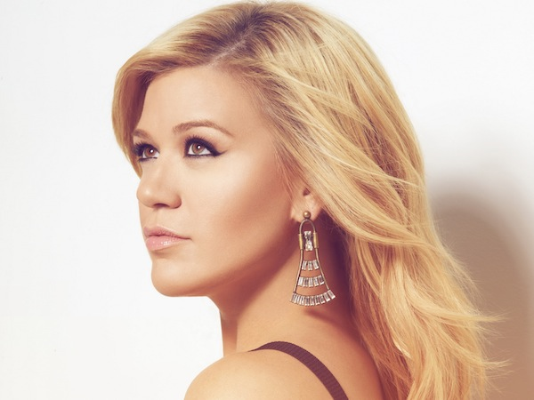 Kelly Clarkson Letter to Fans Clive Davis
