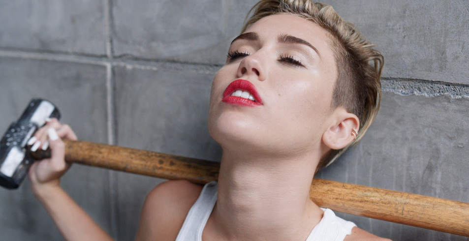 Miley Cyrus Wrecking Ball Music Video