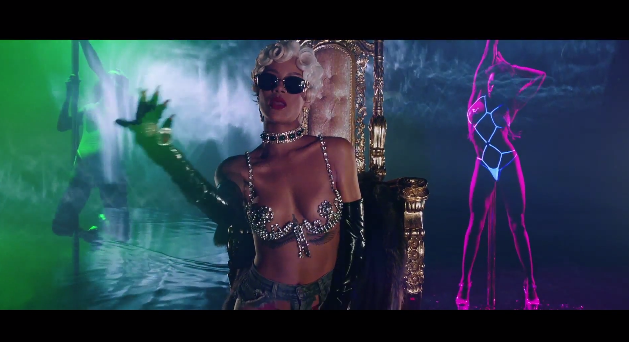 Rihanna Pour It Up Music Video 2