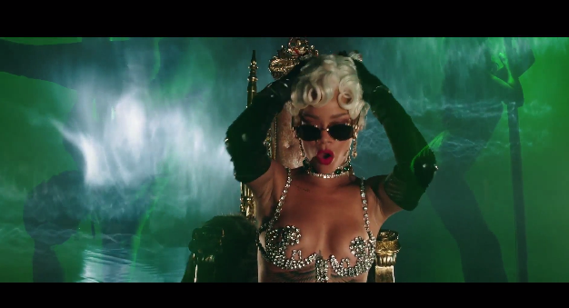 Rihanna Pour It Up Music Video
