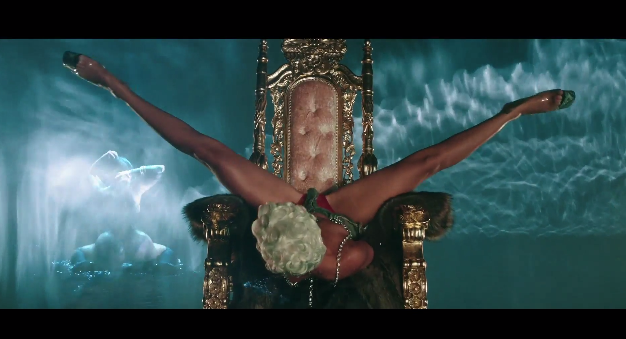 Rihanna Pour It Up Music Video 3
